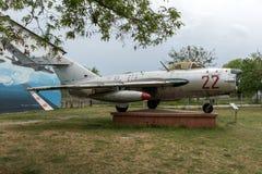 KRUMOVO, PLOWDIW, BULGARIEN - 29. APRIL 2017: Luftfahrt-Museum Kämpfer Mikoyan-Gurevich MiG-17 nahe Plowdiw-Flughafen lizenzfreie stockbilder