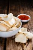 Krupuk frais (biscuits de crevette rose) Photo stock