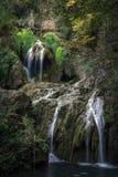 Krushuna kaskadvatten faller nära Lovech, Bulgarien arkivbilder