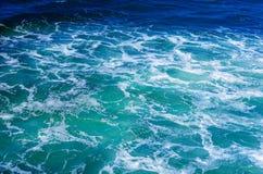 Krusigt havvatten Arkivfoto