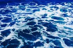 Krusigt havvatten Arkivbild