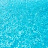 Krusningsvatten i simbassäng Royaltyfria Foton