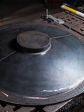 Kruszcowy błękitny metalu talerz w metal pracy fabryce Obrazy Stock