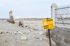 Krutdurkar runt om den dop- platsen av Jesus Christ - Qasr elMinefält runt om den dop- platsen av Jesus Christ - Qasr el Yah Fotografering för Bildbyråer