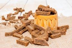Krutonger av bröd royaltyfri foto