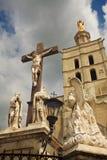 Kruzifix am Palast der Päpste. Lizenzfreie Stockbilder