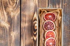 Krwionośnej pomarańcze literujący tort Obraz Royalty Free