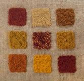krydda för bakgrundhessianindier nio Arkivbild