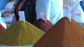 Kryddamarknad i Marrakech Marrakesh lager videofilmer