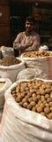 Kryddan Souk shoppar ägaren Dubai Arkivbilder