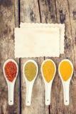 Kryddar receptbakgrund Arkivfoton