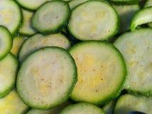Kryddat tätt upp av organisk zuchinni Royaltyfri Foto