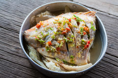 Kryddig ångad fisk Royaltyfri Foto