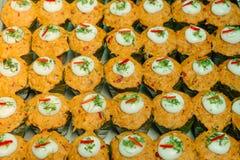 Kryddig ångad fisk med röd currydeg eller Hor Mok arkivfoton