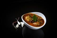 Kryddig och varm konungfiskcurry Arkivfoton