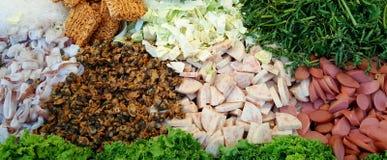 Kryddig sallad för Glass nudelgriskött (Yum Woon Sen) Arkivfoto