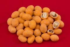 kryddiga stekte jordnötter Arkivfoton