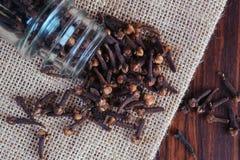 Kryddnejlikor kryddar för att laga mat arkivfoton