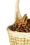 kryddor för korgbönakaffe Fotografering för Bildbyråer