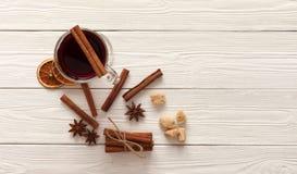 Kryddor för mulled wine Arkivfoton