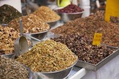 Kryddor ferbs och torkar frukter Royaltyfri Fotografi