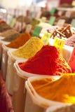 Kryddor i en marknad Royaltyfri Fotografi