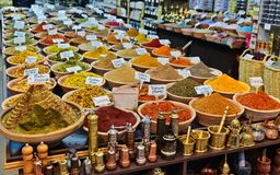 Kryddor i litet shoppar arkivbild