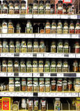 Kryddor och smaktillsatspulver i supermarket Royaltyfria Foton