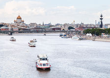 Krymsky Bridge and excursion ships on Moskva River Royalty Free Stock Photos