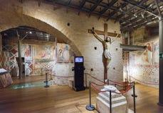 Krypta av Siena Cathedral med freskomålningar av det 13th århundradet, Italien Fotografering för Bildbyråer