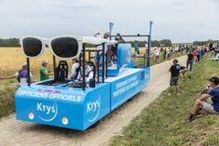 Krys Vehicle auf einem Kopfstein-Straßen-Tour de France 2015 Lizenzfreie Stockfotos