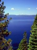 kryssa omkring Lake Tahoe arkivfoton