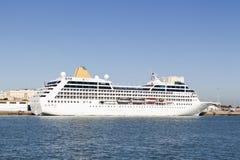 Kryssa omkring ship Royaltyfri Fotografi