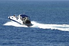 kryssa omkring yacht Arkivbild