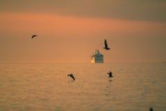 Kryssareskepp fotografering för bildbyråer