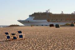 kryssning heads ut havsshipen till royaltyfri foto