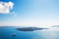 Kryssningship i havet Fotografering för Bildbyråer