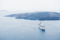 Kryssningship i havet Arkivfoton