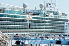 Kryssningskepp anslöt Rhodes Grekland Fotografering för Bildbyråer