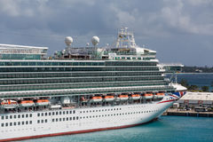 Kryssningskepp i Barbados Arkivfoton