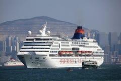 Kryssningskepp i Hong Kong Arkivfoton