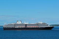 Kryssningskepp i port av Tallinn, Estland Arkivfoto