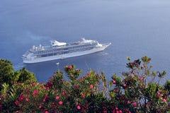 Kryssningskepp Santorini Arkivbilder
