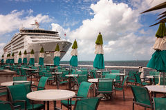 Kryssningskepp som anslutas i Key West, Florida Arkivbild