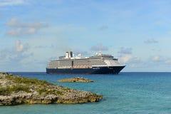 Kryssningskepp Zuiderdam i Bahamas Royaltyfri Bild
