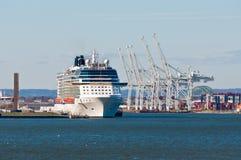 Kryssningskeppet förtöjde på Port-Bayonne, NJ, USA Arkivfoto