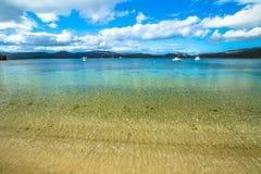 Krystaliczny morze biel plaża obrazy royalty free