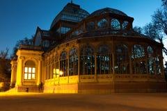 Krystaliczny pałac anioł spadnie Madryt park retiro posąg Hiszpanii Obrazy Stock