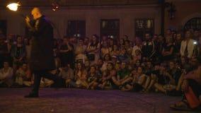 Krystian Minda Sword Swallower Show in Lublin Royalty-vrije Stock Foto's