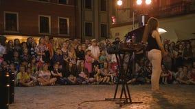 Krystian Minda Sword Swallower Show in Lublin Royalty-vrije Stock Fotografie